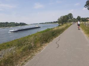 Rundtour - Mülheim - Essen-Kettwig - Rhein